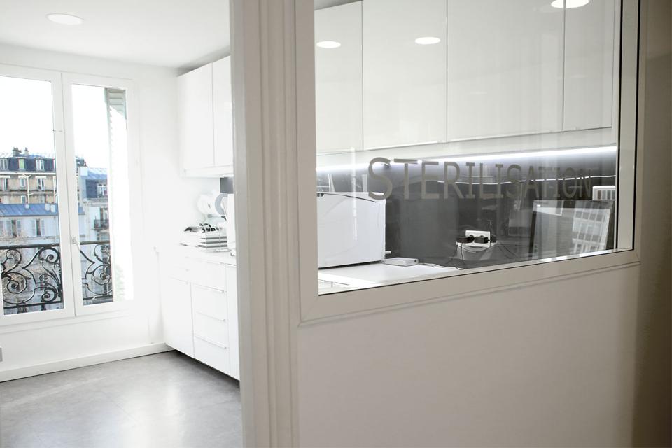 Salle de st rilisation du cabinet dentaire dentiste neuilly sur seine - Cabinet dentaire mezieres sur seine ...
