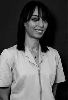 Fatime – Assistante dentaire qualifiée